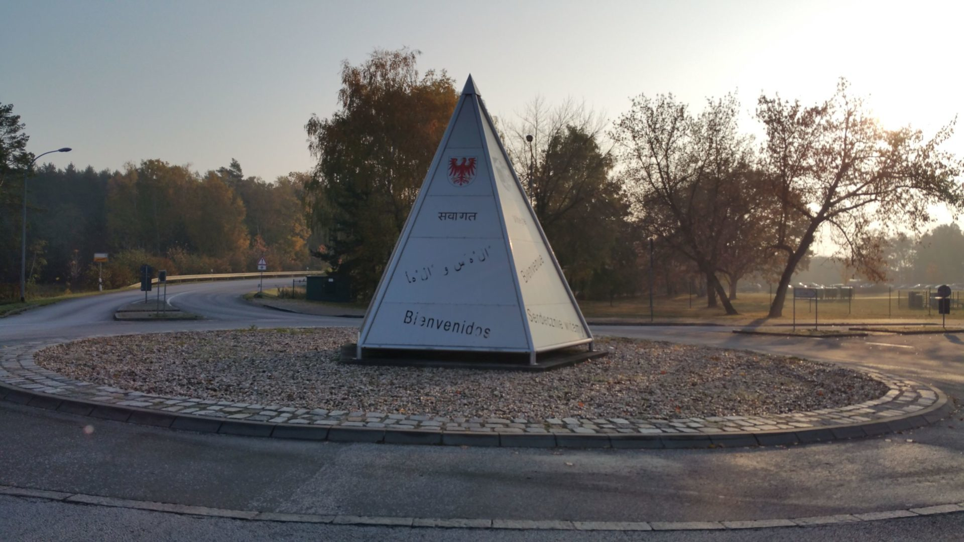 Falsche Begrüßung auf einem Schild in Ludwigsfelde